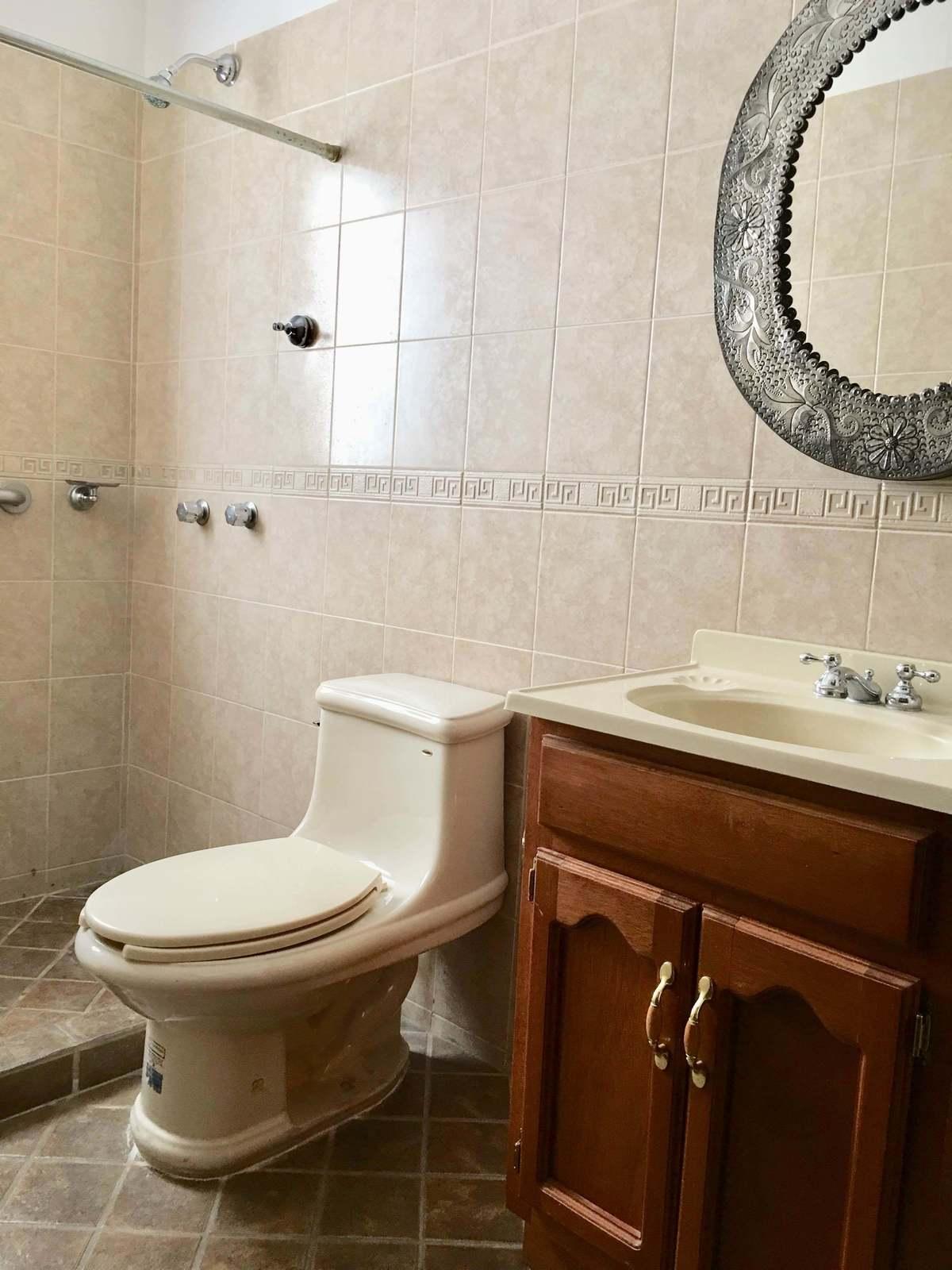 14 de 27: baño de la recamara primer piso