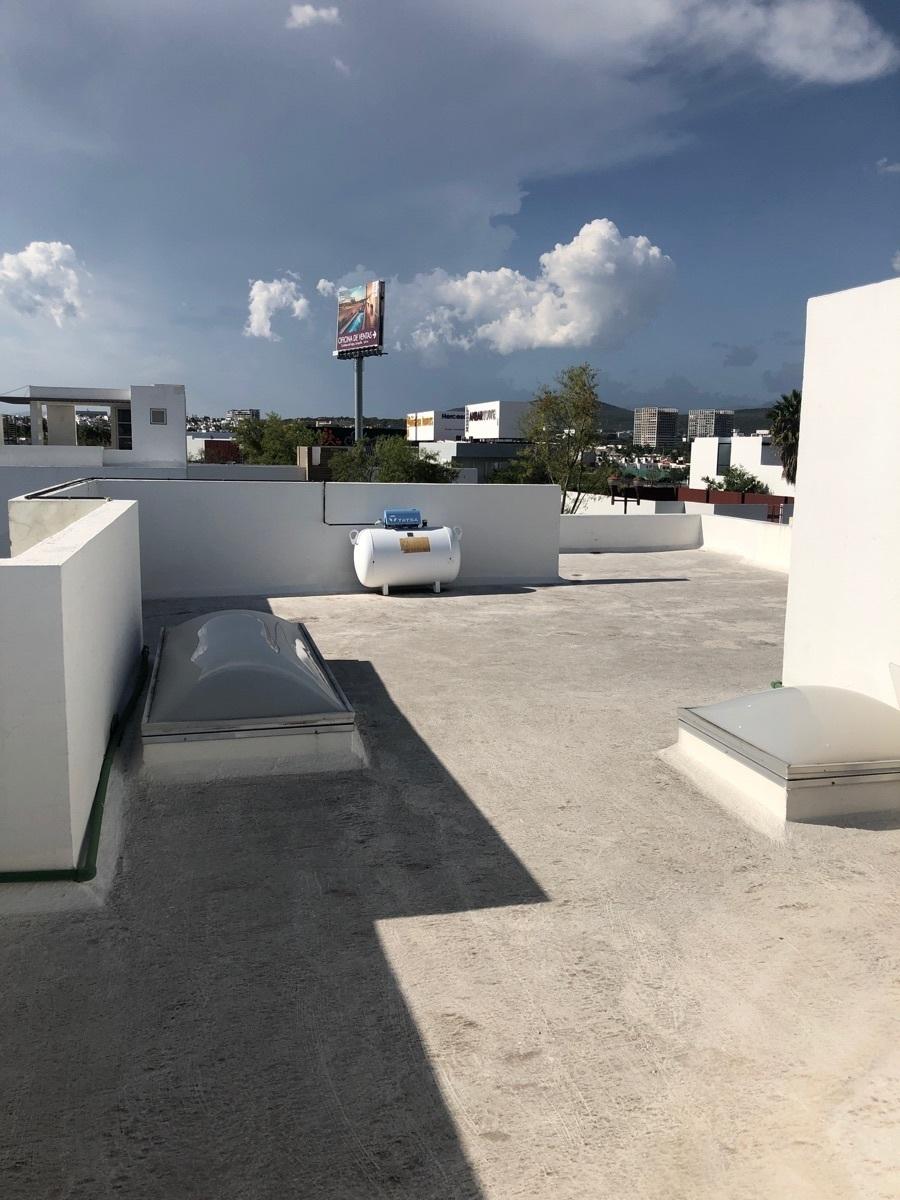 19 de 23: Roof Garden
