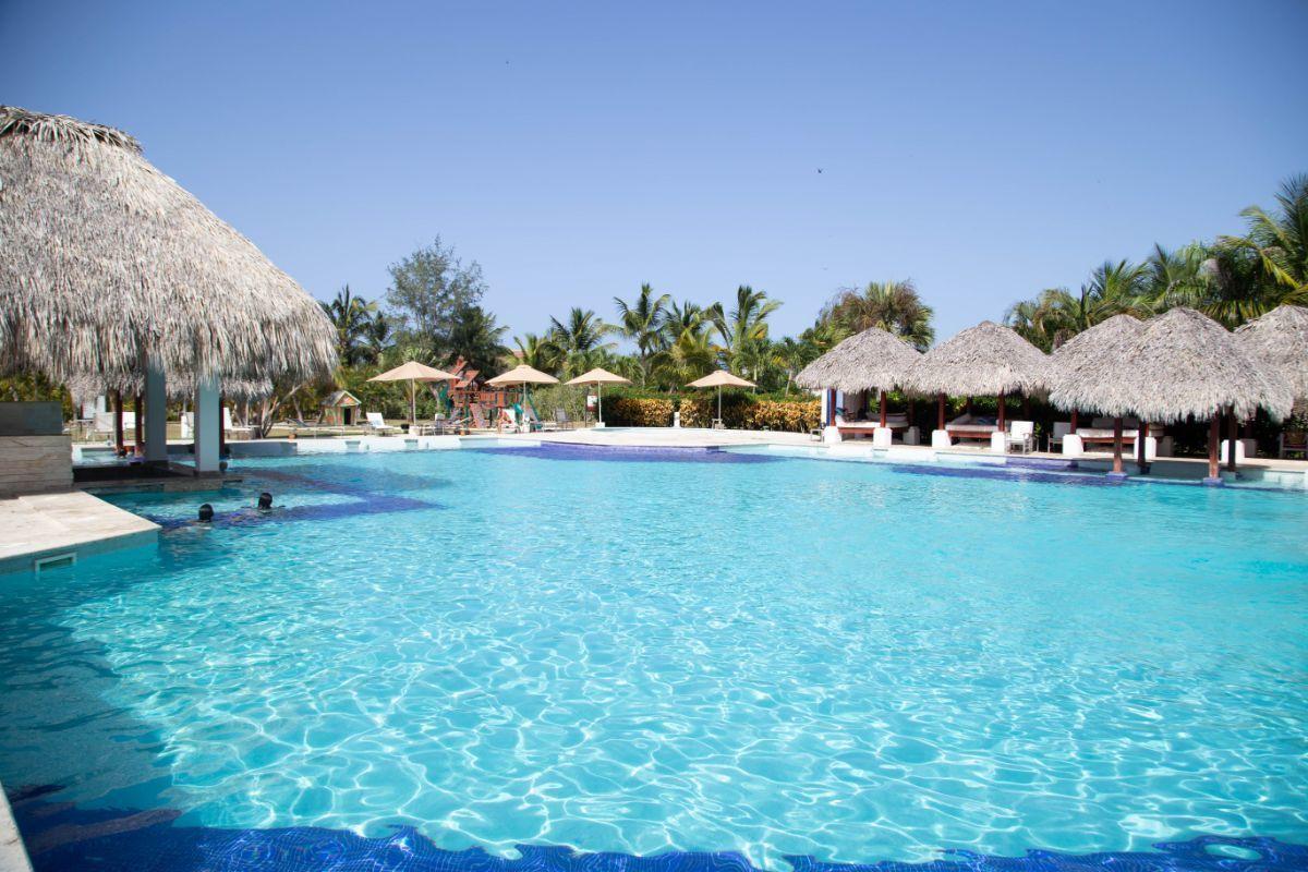 42 de 50: villa punta cana 3 dormitorios piscina privada