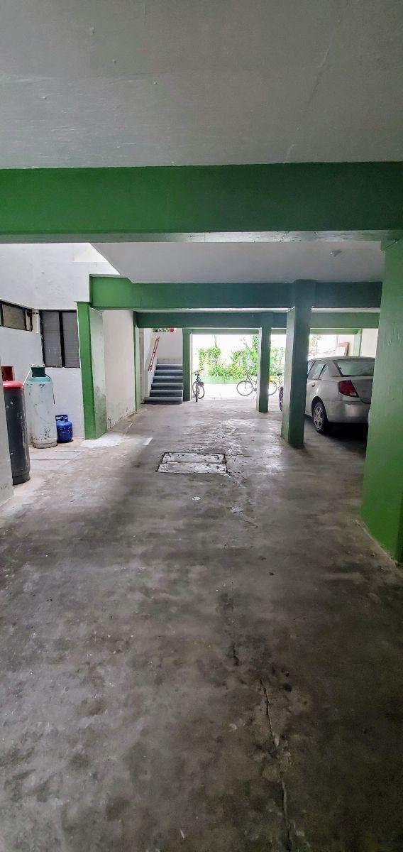 3 de 18: Área de estacionamiento