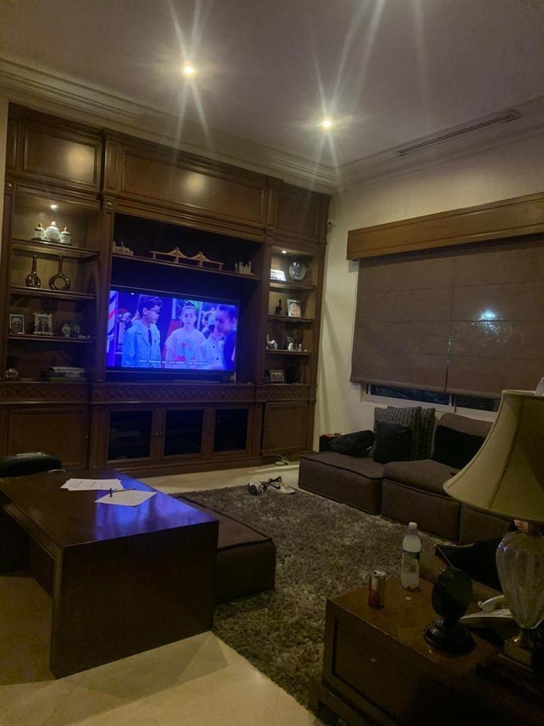8 de 15: Sala de TV