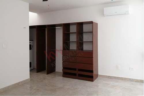 8 de 16: Closets de madera Sapelli