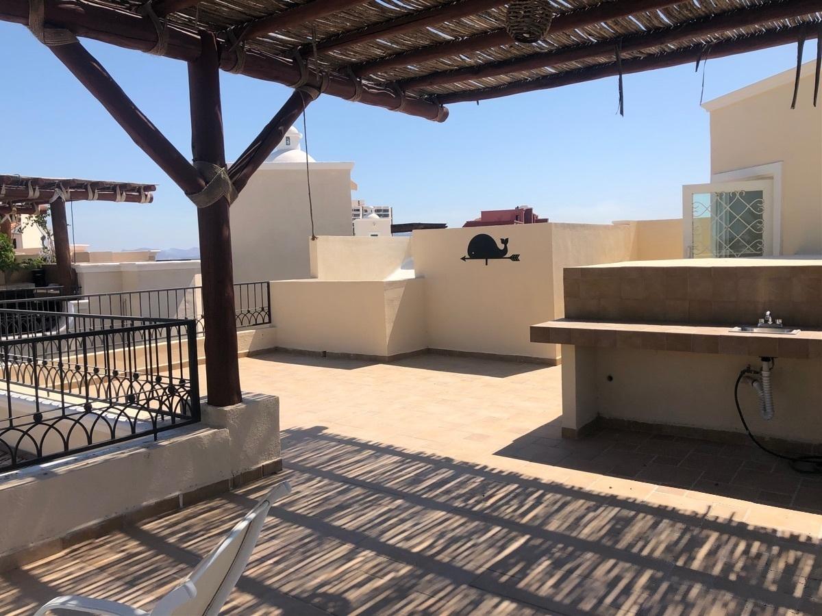 33 de 37: Barra de servicio en la terraza.