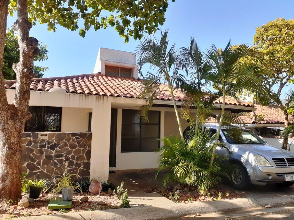 15 of 20: Villa exterior