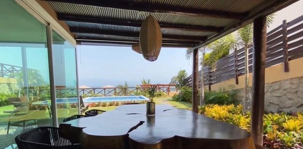 15 de 17: Casa en venta con vista al mar