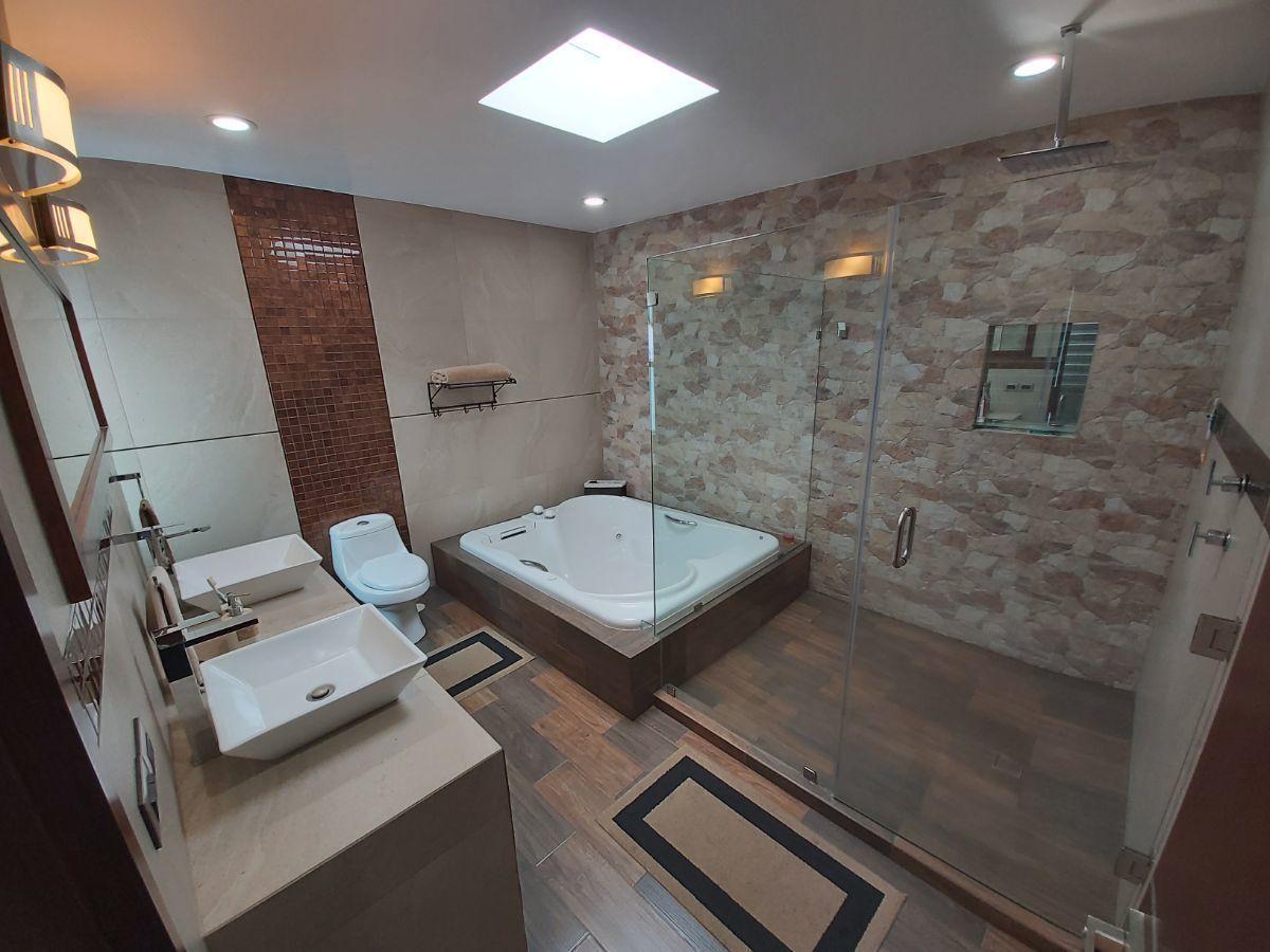21 de 45: Baño Recámara Principal