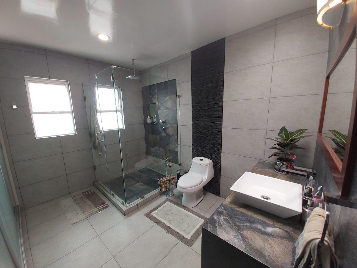27 de 45: Baño Recámara 3