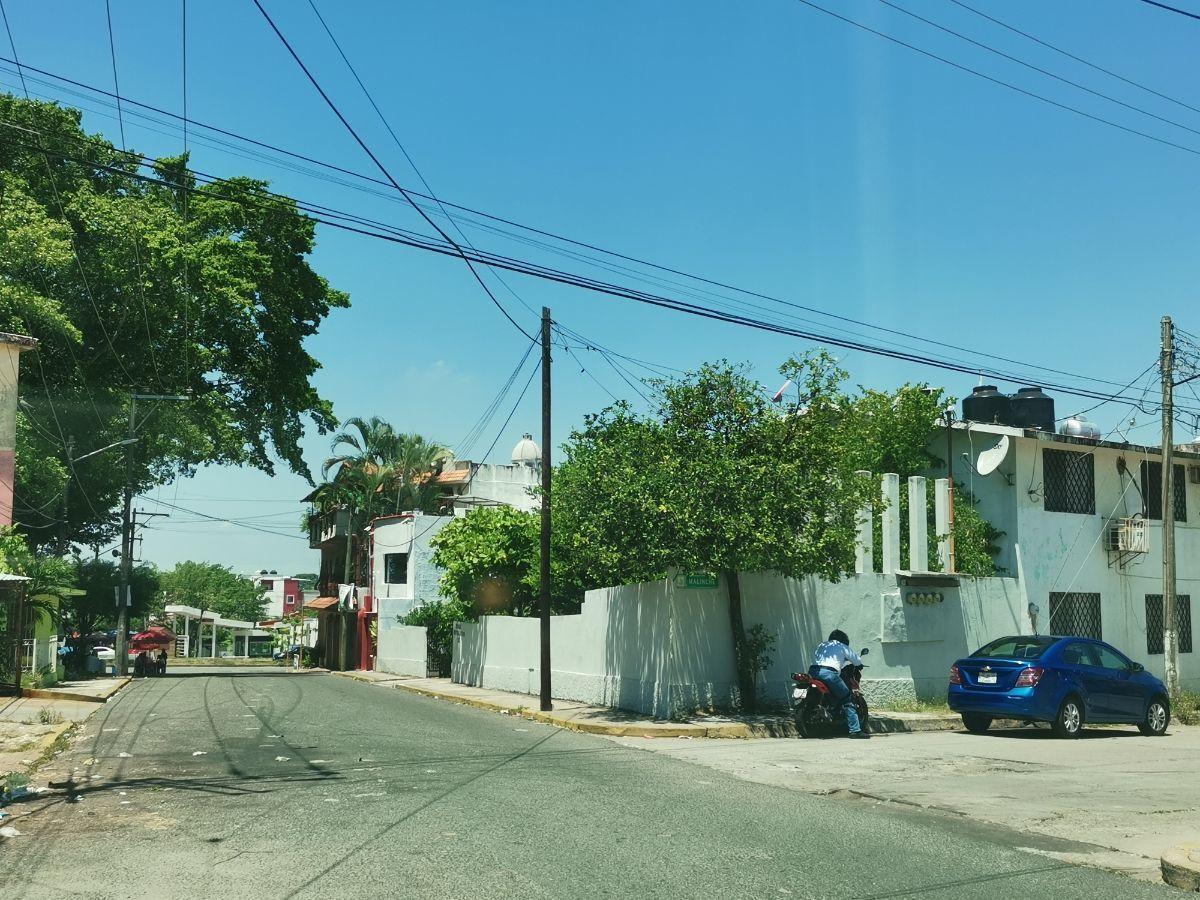 3 de 15: A una cuadra del Periférico Carlos Pellicer Cámara