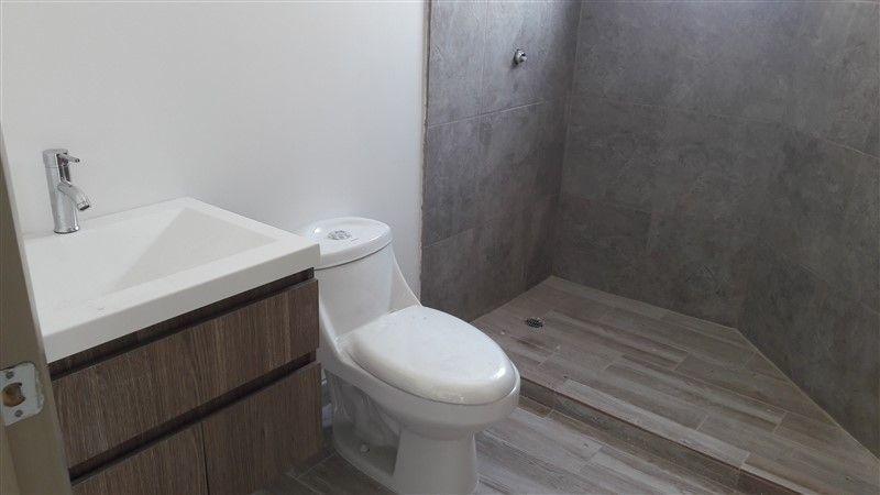 18 de 21: detalle del baño