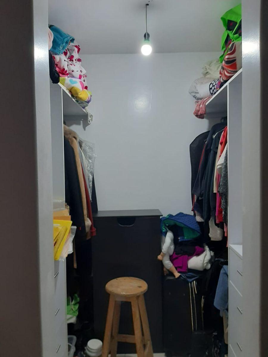 15 de 21: Closet -- Recamara principal