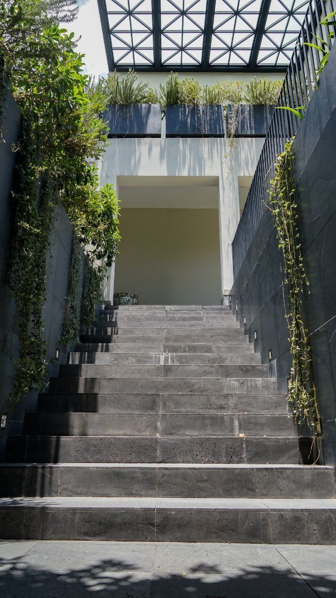 16 de 43: Escaleras de acceso