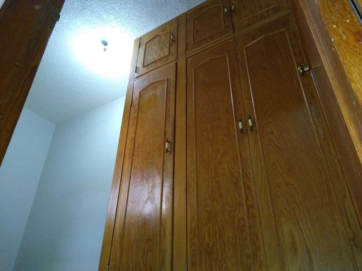 3 de 38: Closet habitación secundaria