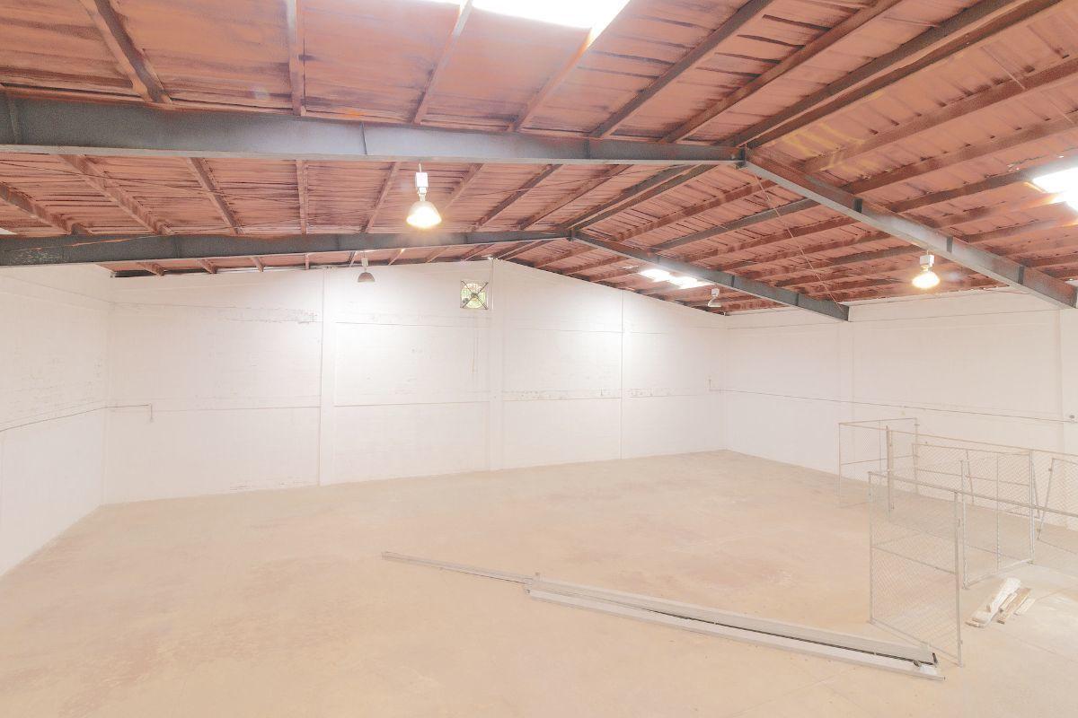 8 de 13: Espacios abiertos 2do. nivel con techo de alucín