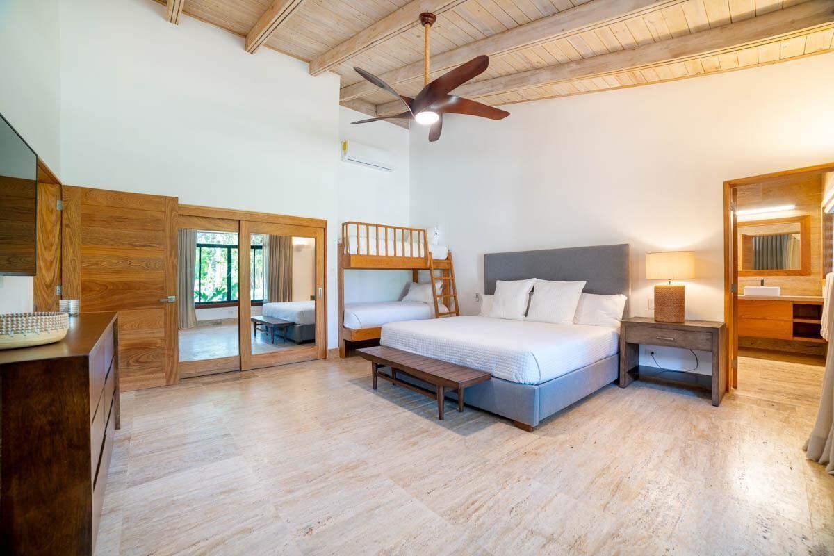 9 de 18:  Villas Casa de campo 4 dormitorios alquiler por mes