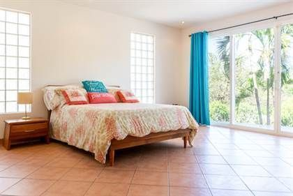 7 of 25: Master Bedroom