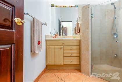 16 of 25: Guest Bathroom