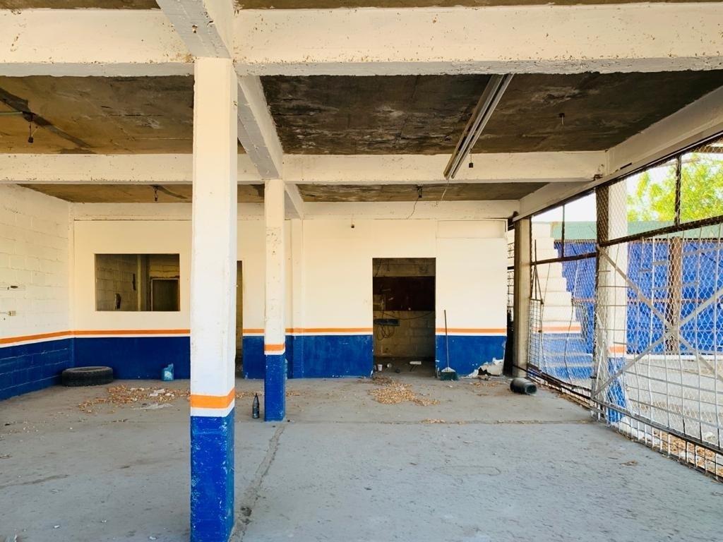 9 de 11: Interior construcción de esquina