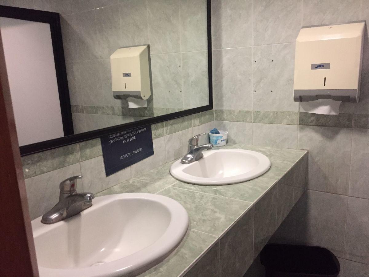 4 de 10: baños en cada piso