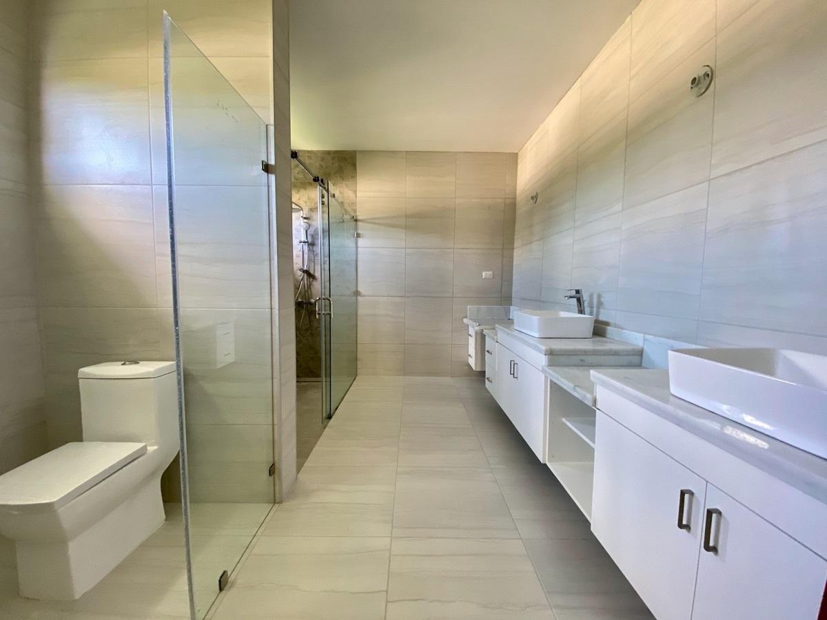 11 de 26: Baño Principal