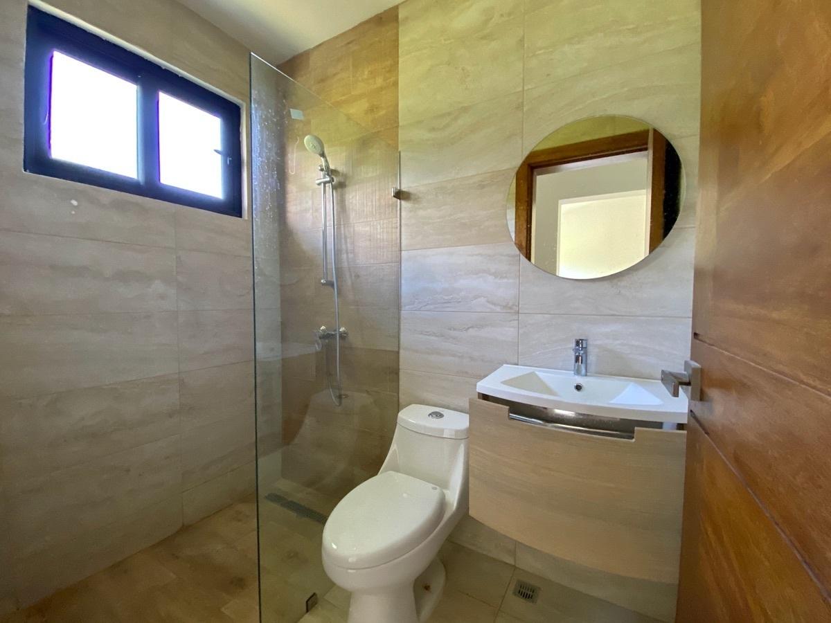 14 de 26: Baño Secundario