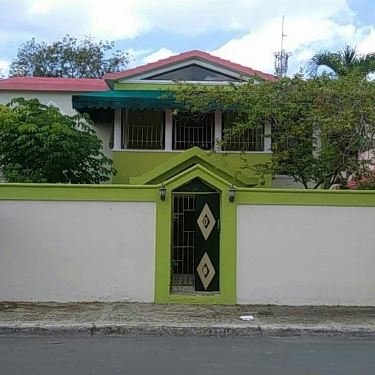 1 de 10: Puerta principal