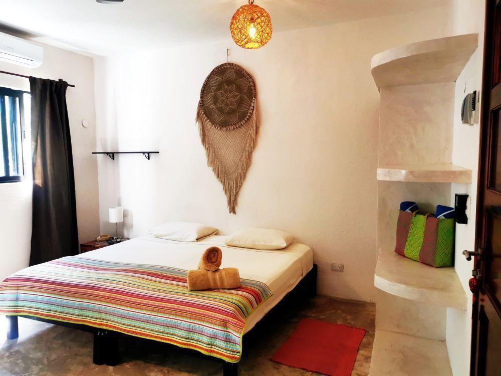 27 de 50: Room Amistad