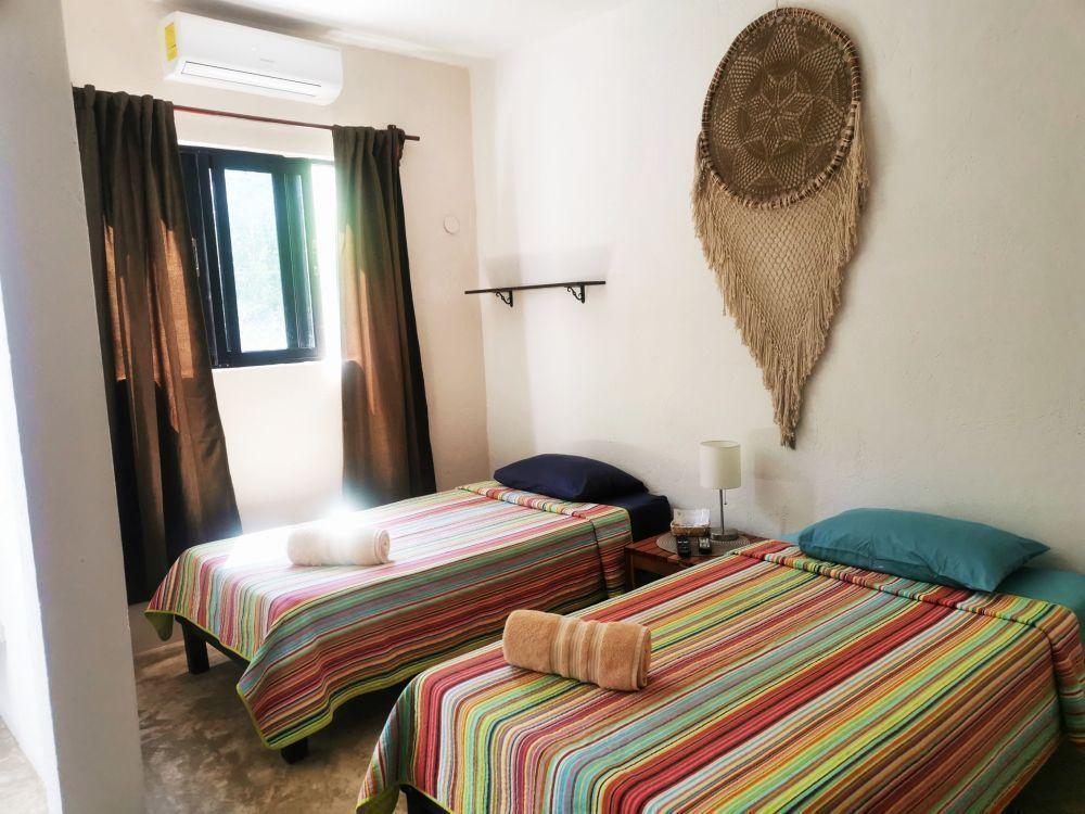 28 de 50: Room Amistad