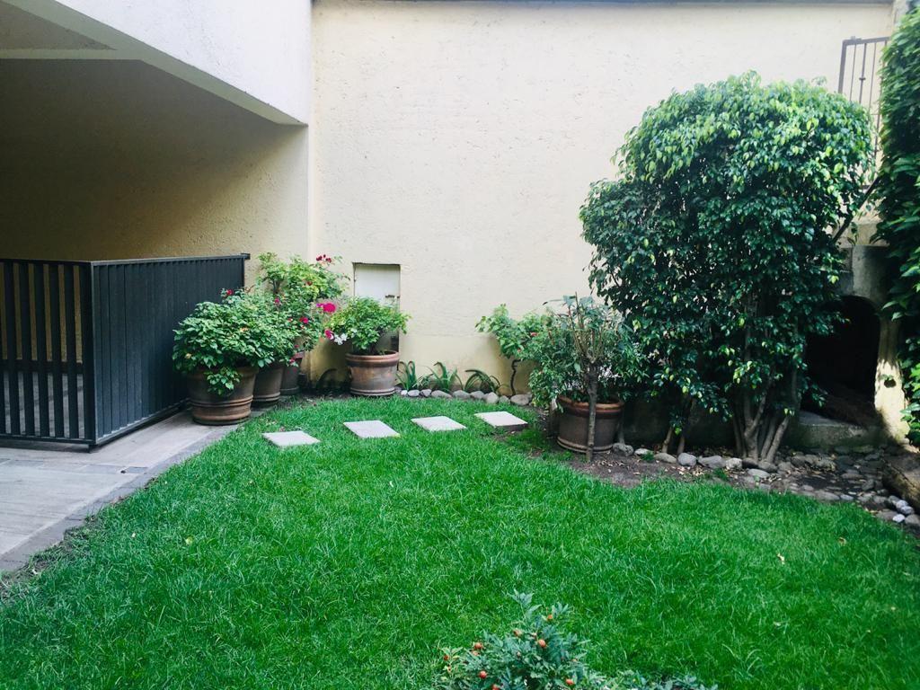 2 de 36: Jardin