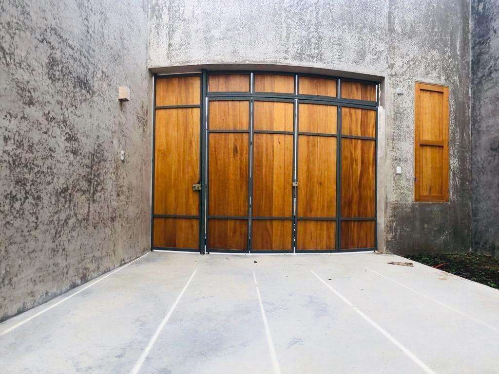 22 de 48: Garage de la casa