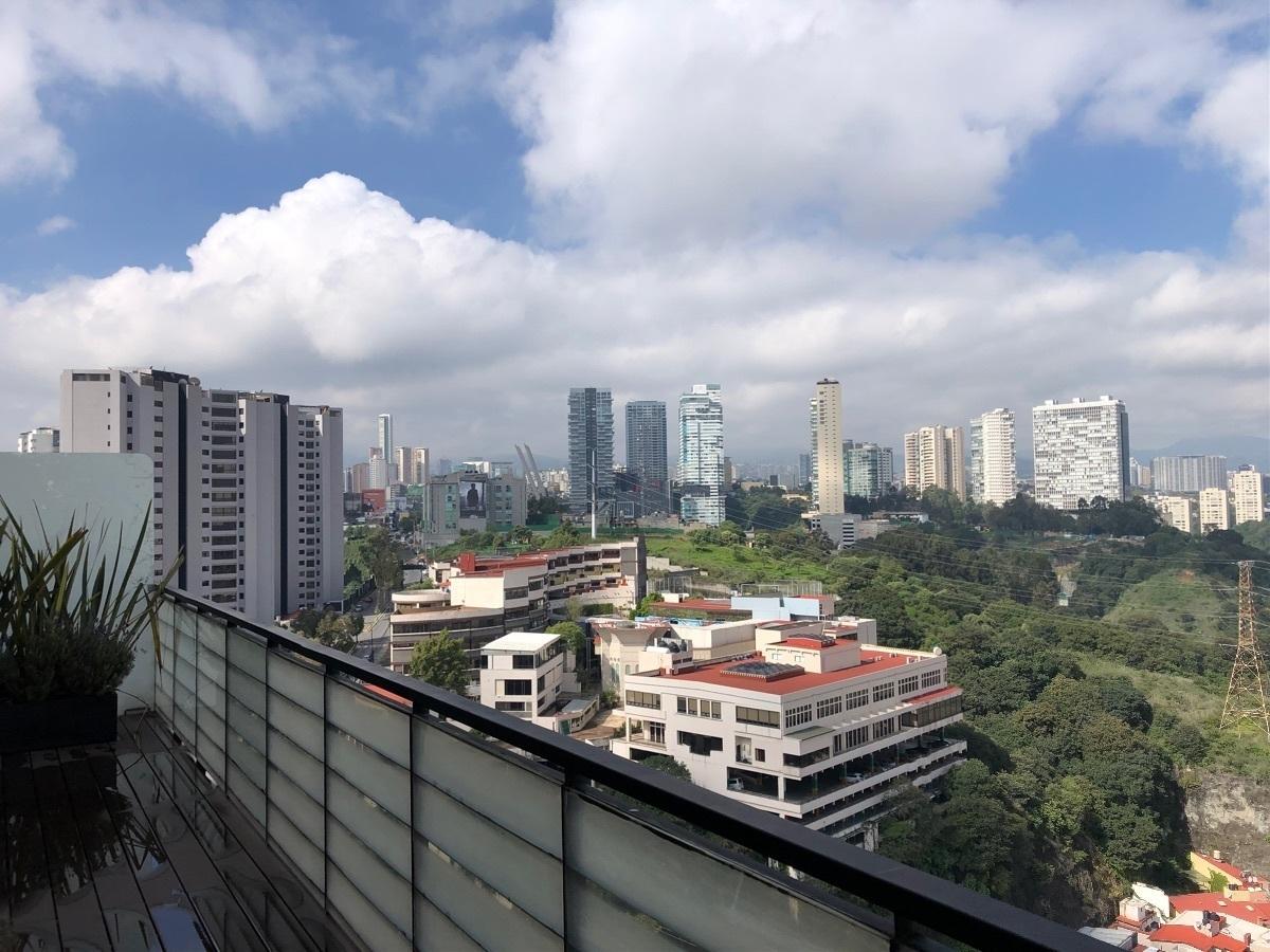 11 de 33: Balcón