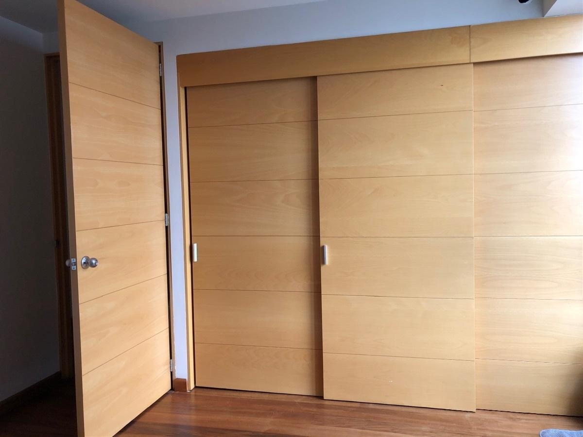 25 de 33: Amplios closets