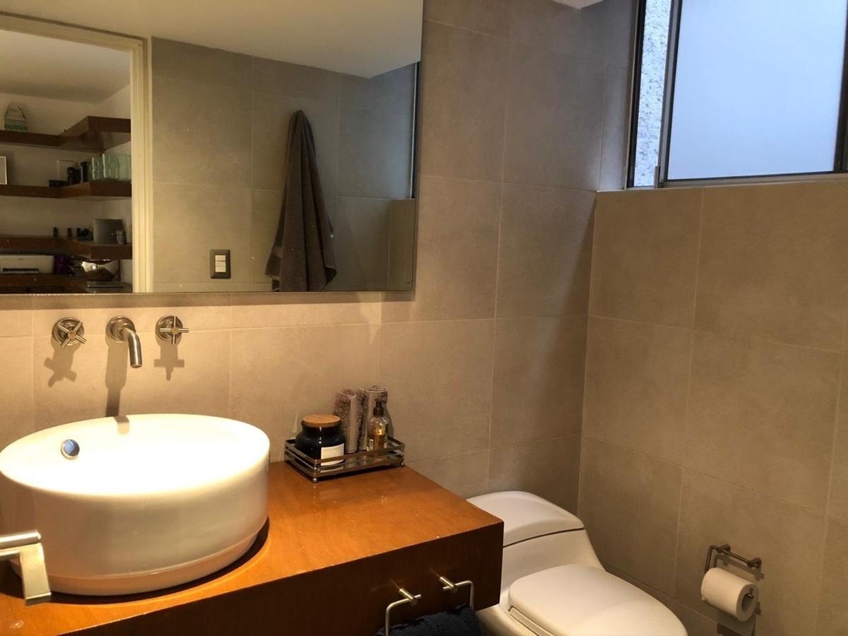 6 de 12: Baño completo y de visitas
