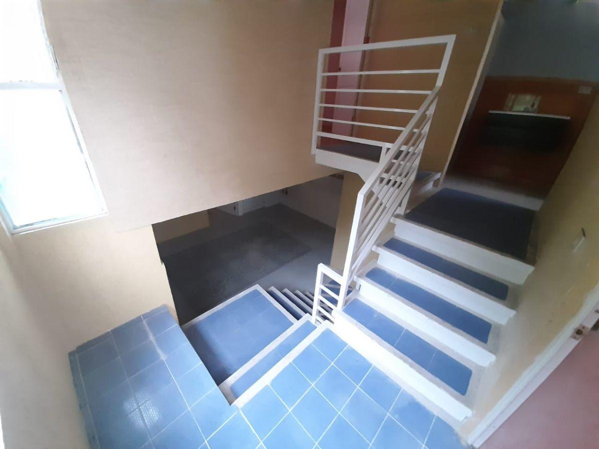 16 de 23: Cubo de escaleras