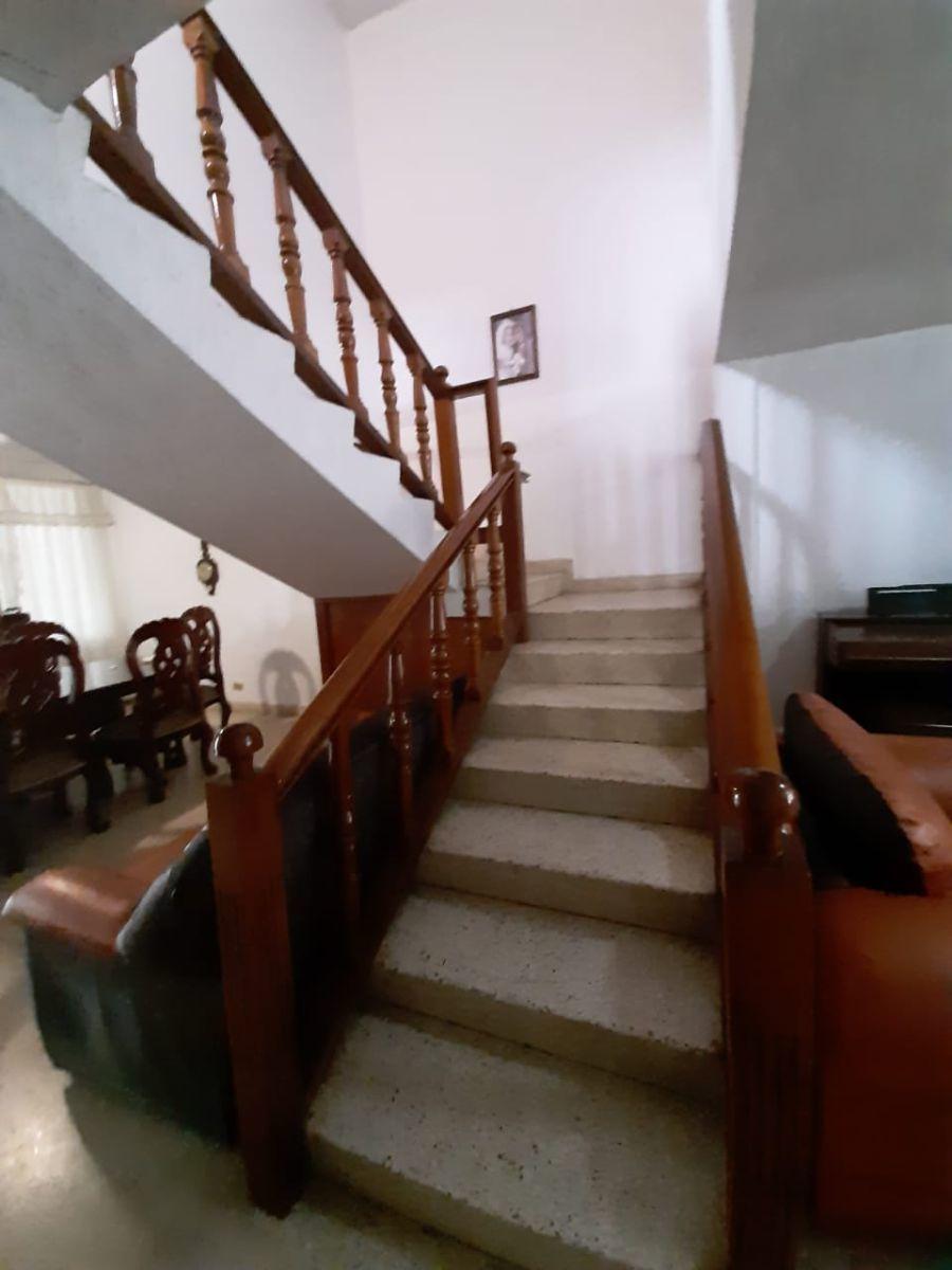 27 de 30: Cubo de escaleras