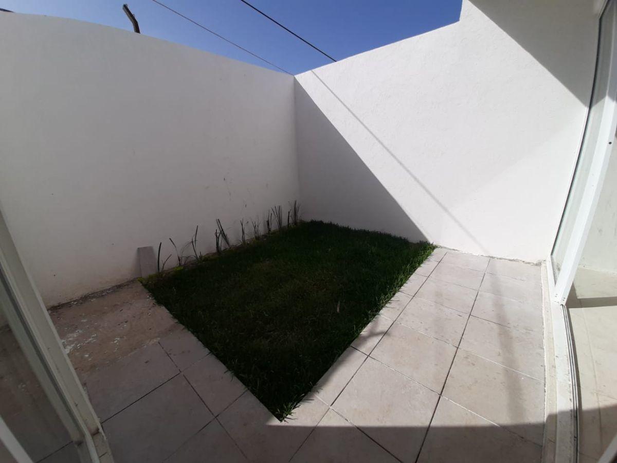 10 de 13: Jardín
