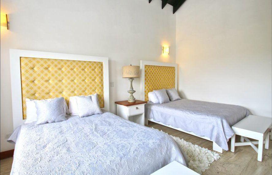 18 de 22: Villa en casa de campo 5 dormitorios decoración moderna