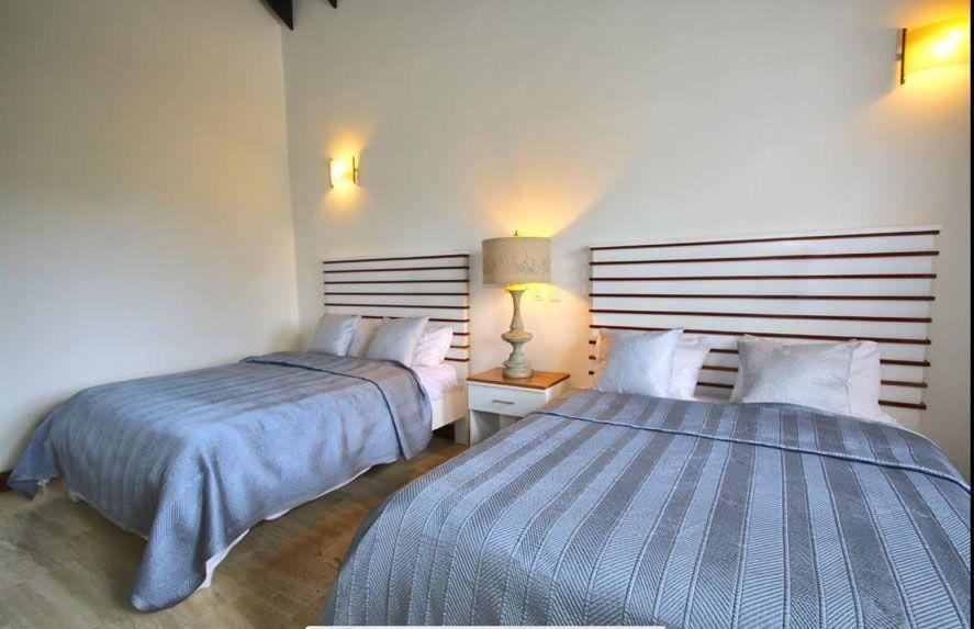 20 de 22: Villa en casa de campo 5 dormitorios decoración moderna