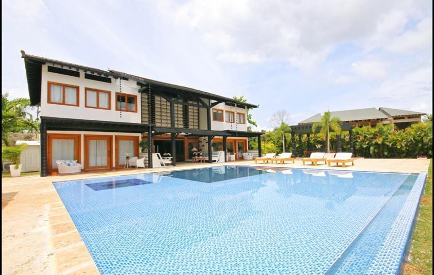 2 de 22: Villa en casa de campo 5 dormitorios decoración moderna