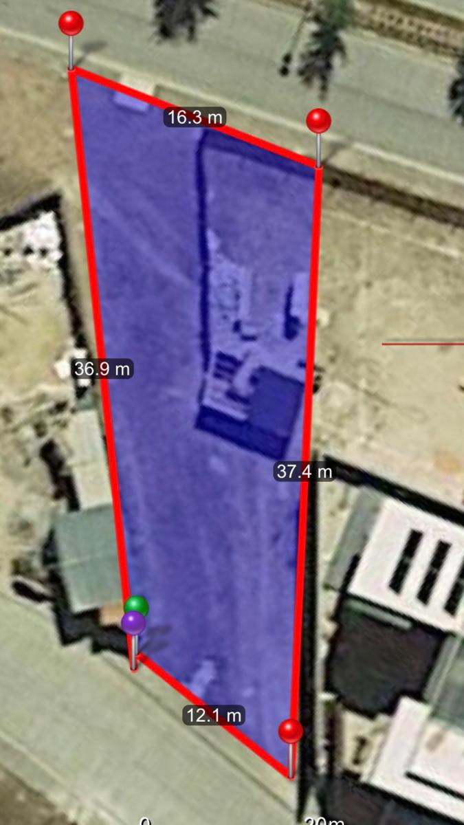 4 de 4: Frente de 12 mts por 37 mts de fondo, abre en abanico