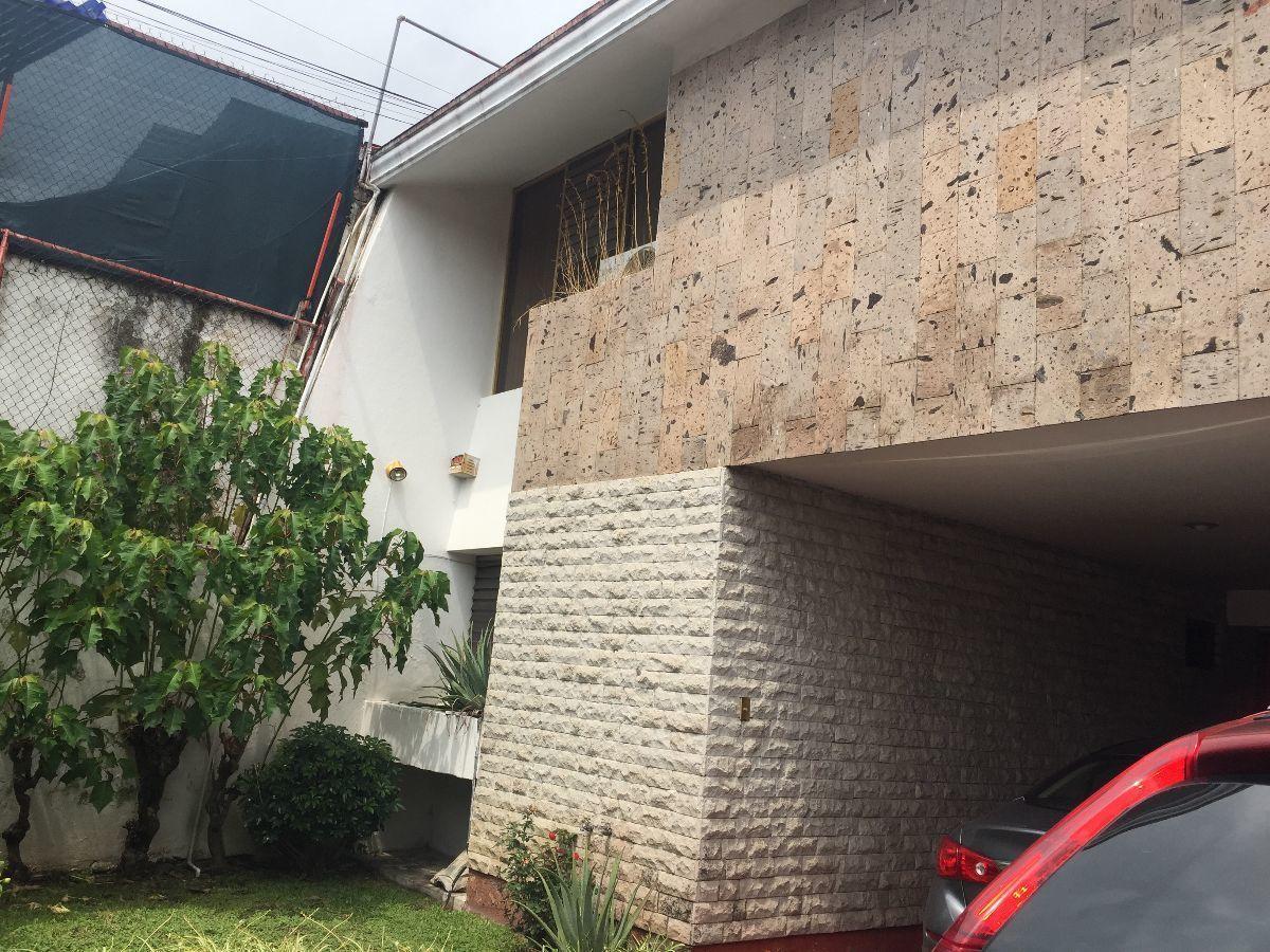 2 de 25: fachada de la casa