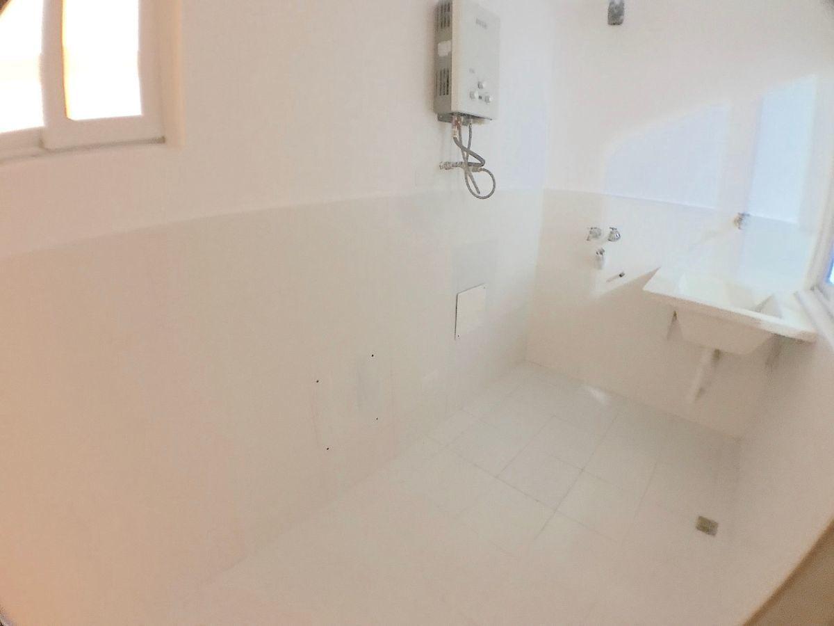 18 de 18: Area de lavado clara y ventilada. Con cuarto de servicio