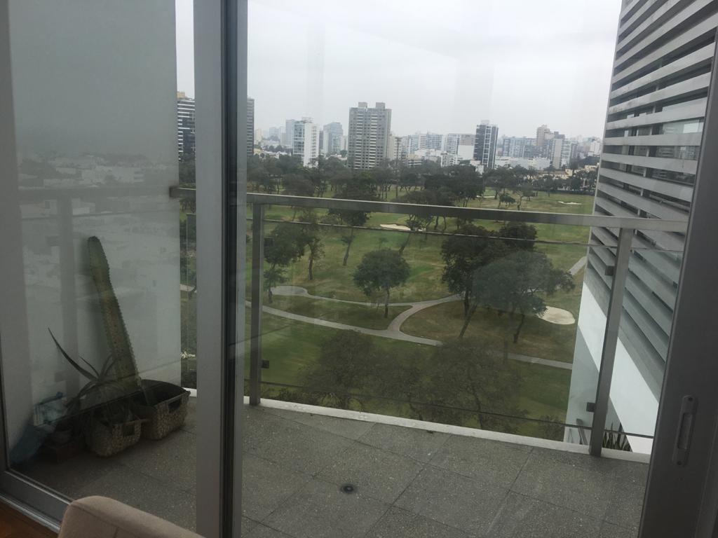 6 de 13: Balcón con vista al Golf