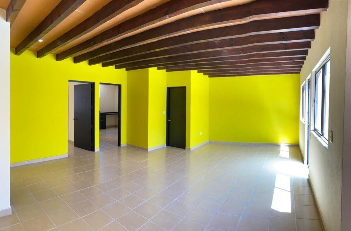 9 of 25: Sala comedor. Casa