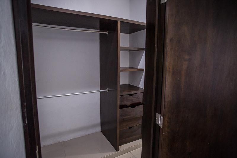10 de 26: Closet habitacion principal