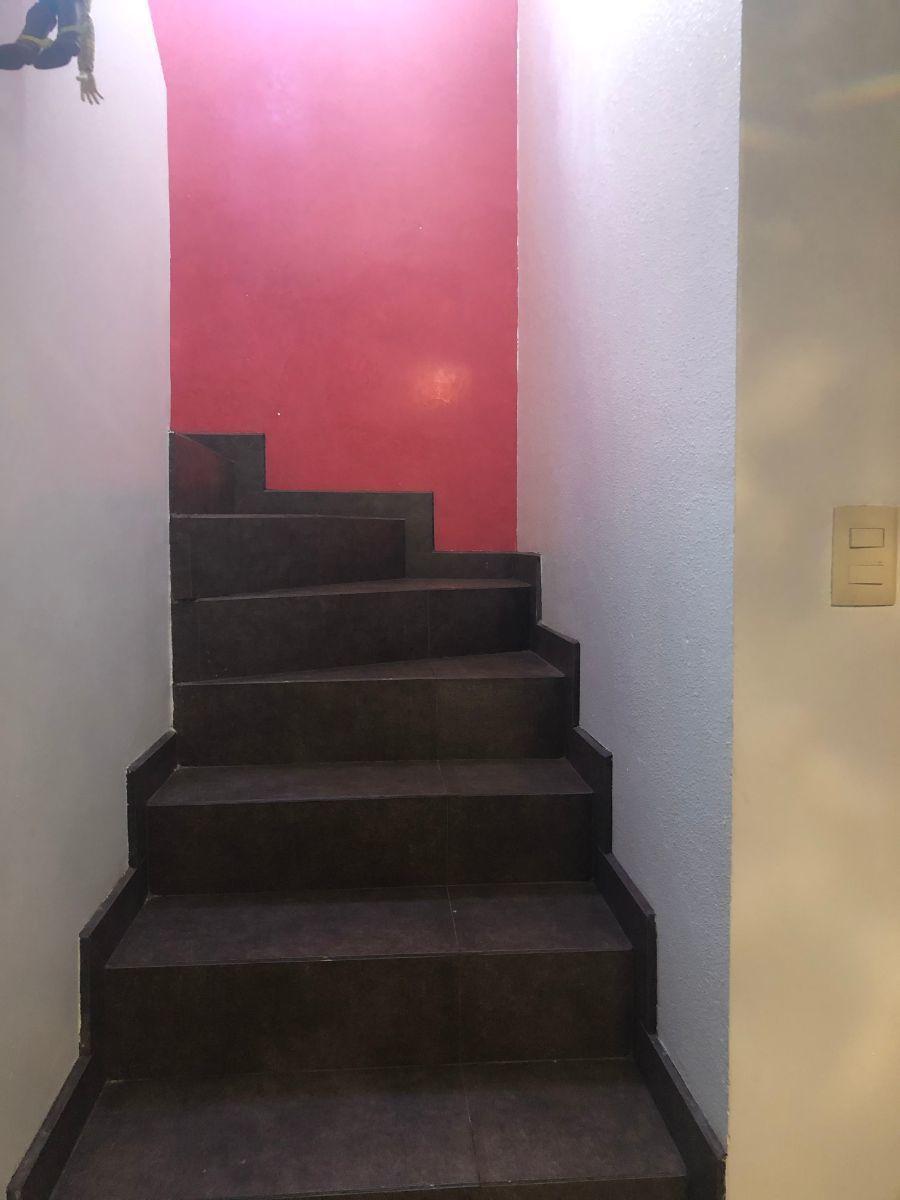 7 de 45: Escaleras