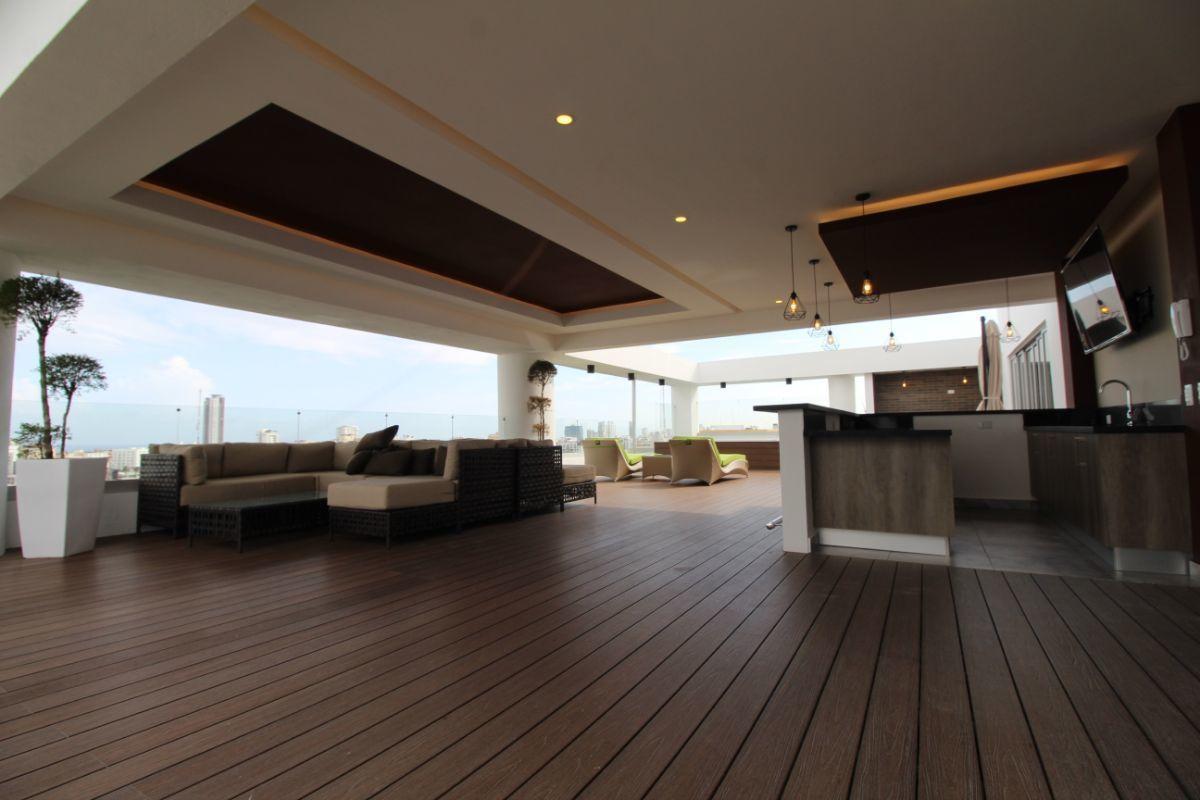9 de 10: Area Social, con 2 Jacuzzis, terraza bar Lounge y BBQ