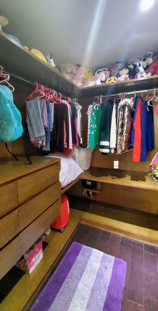 29 de 30: Walking  closet recámara 3