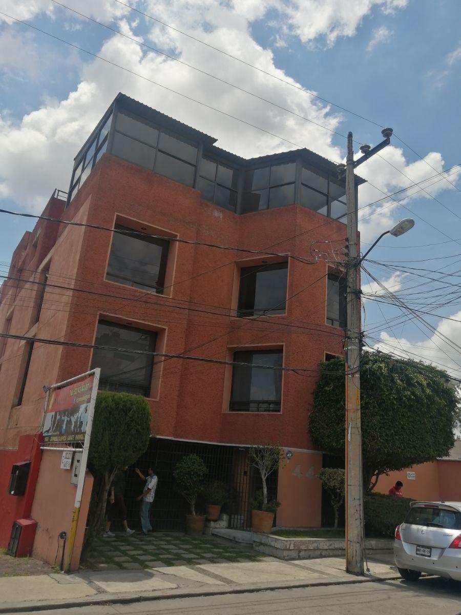 1 de 29: FRENTE DEL EDIFICIO  TERCER PISO TODO DE CRISTAL LA SALA DE