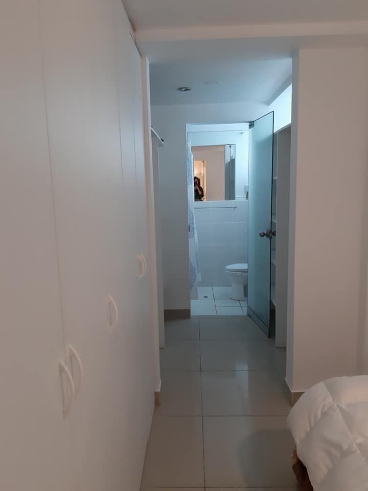 7 de 14: Baño dormitorio principal.
