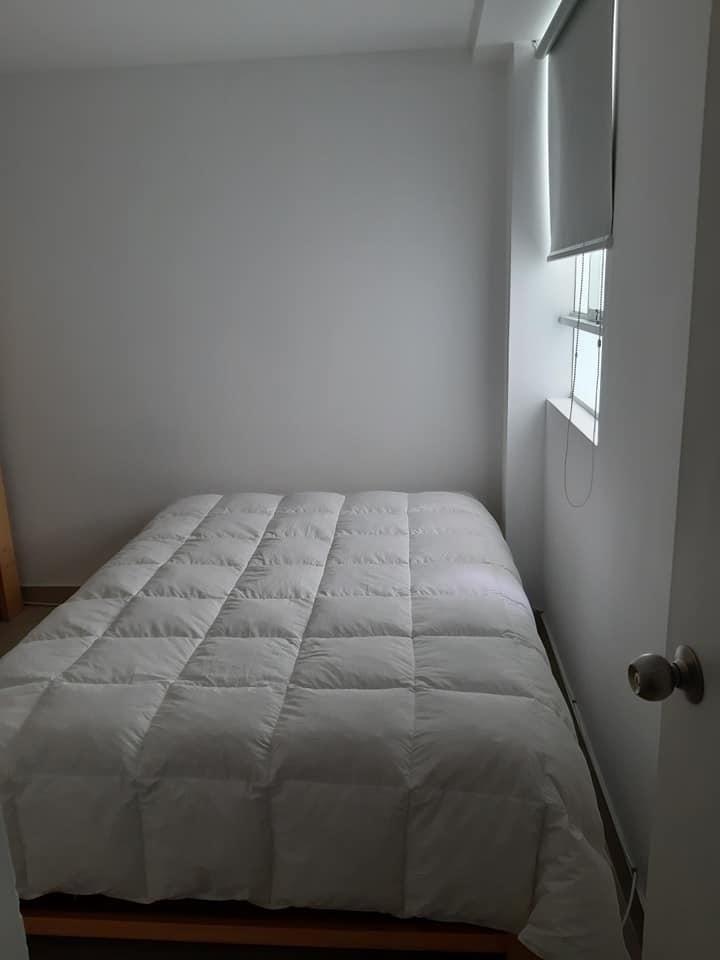 9 de 14: Dormitorio secundario , entra  cama 2 plazas y camarote.